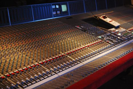 Basic Guide to Mixing Desks
